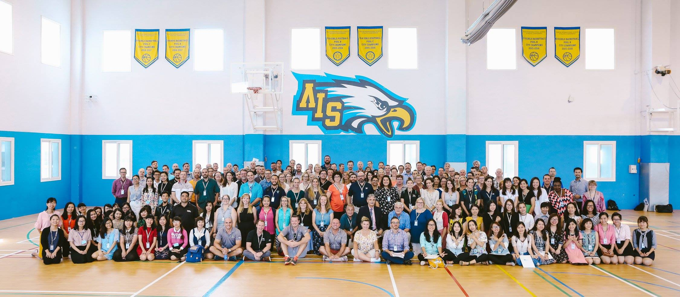 A warm welcome from the 2017-18 staff